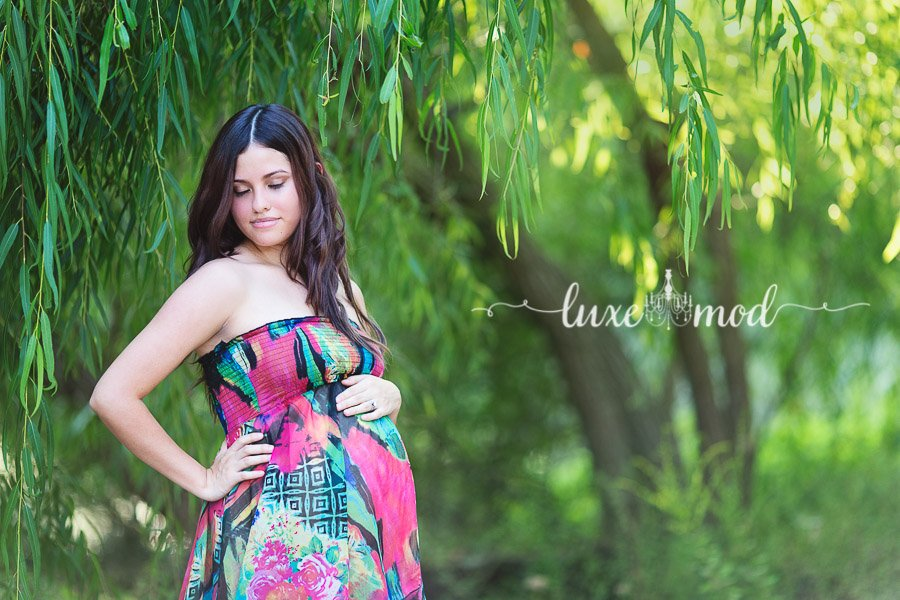 weeping willow maternity session