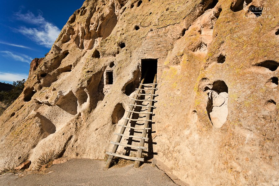 bandelier ladder to pueblos