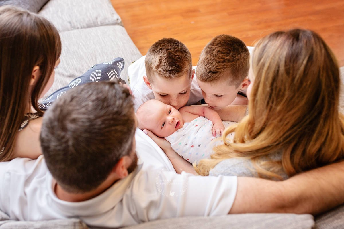 family in home newborn picture