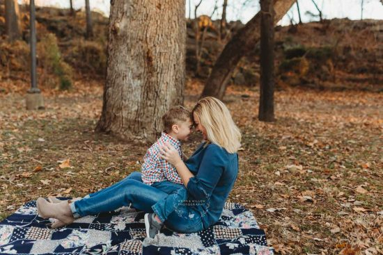 eskimo kisses mom and boy lifestyle family tulsa
